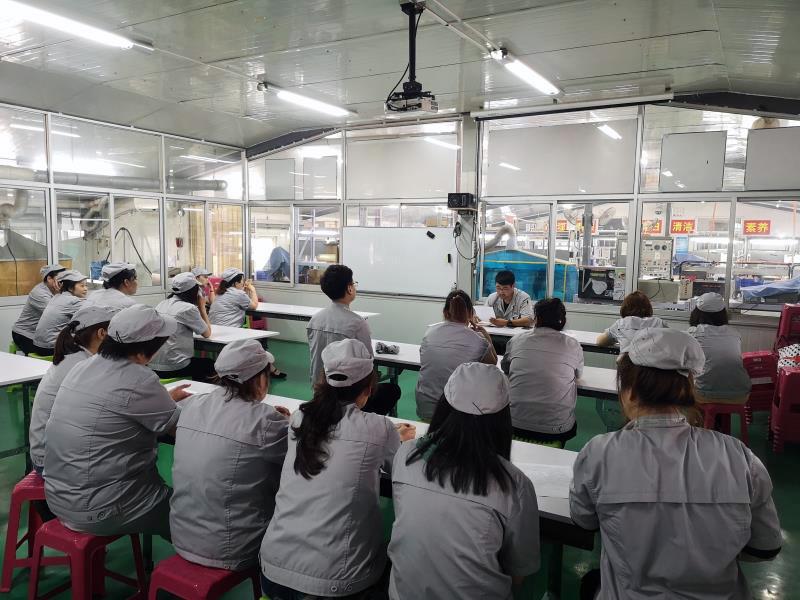 中国工場での研修の様子